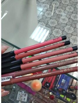 Контурный карандаш для губ цветной